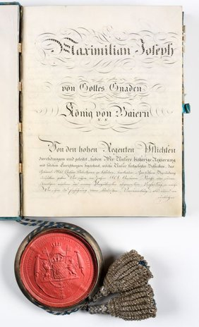 Bild 2: Die Bayerische Verfassung von 1818 wurde von König Max I. Joseph erlassen. Sie galt bis zum Ende der bayerischen Monarchie 1918 (BayHStA, Bayerischer Landtag 10295).